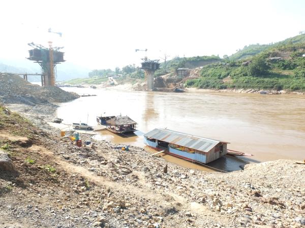 สะพานข้ามแม่น้ำโขงปากห้วยแคน-ปากแบ่ง