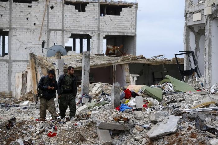 """สหรัฐฯ ยืนยัน """"กองกำลังเคิร์ด"""" ยึดเมืองชายแดนสำคัญในซีเรียคืนจากกลุ่ม IS สำเร็จแล้ว"""
