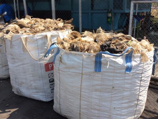 ตัวอย่างขยะพลาสติกเกรดที่จะนำมาใช้เผา