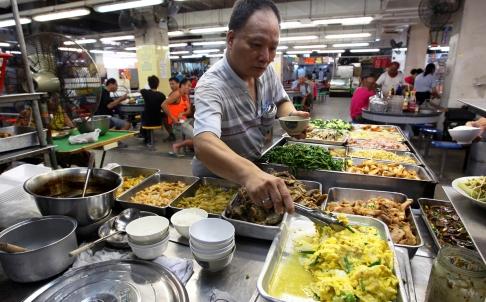 ผู้เชี่ยวชาญระบุ สาเหตุที่มะเร็งเพิ่มสูงขึ้นในฮ่องกงเป็นผลมาจากอาหารที่ไม่ดีต่อสุขภาพ วิถีชีวิตที่เคร่งเครียด และการละเลยการตรวจสุขภาพเป็นประจำ (ภาพ: เซาท์ไชน่า มอร์นิ่งโพสต์)