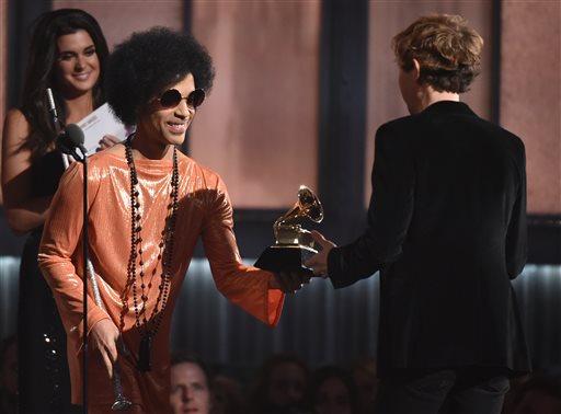 เบ็ค รับรางวัลอัลบั้มแห่งปีจาก พรินซ์