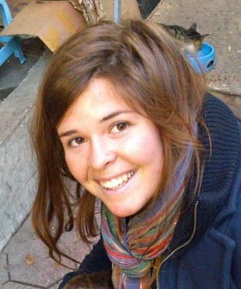เคย์ลา มุลเลอร์ เจ้าหน้าที่บรรเทาทุกข์ ที่ถูกลักพาตัวไปขณะปฏิบัติหน้าที่ในซีเรีย