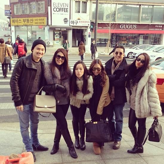สนุกสนานกับกลุ่มเพื่อนๆ ที่เกาหลี