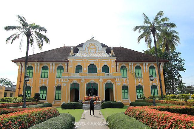 """""""ตึกเจ้าพระยาอภัยภูเบศร"""" ตึกรพ.ที่สวยงามที่สุดแห่งหนึ่งของเมืองไทย"""