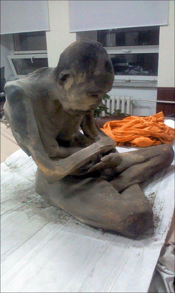 มองโกเลีย : ตะลึง!! ลามะมองโกเลียตาย 200 ปี ไม่เน่า นักวิชาการเชื่อ แค่เข้าฌานลึก