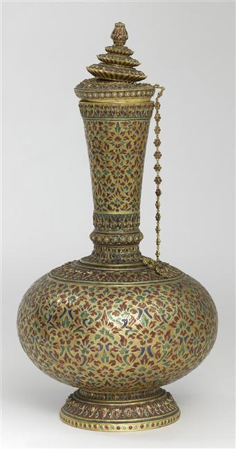 เครื่องมงคลราชบรรณาการจากรัชกาลที่ 4 ซึ่งถูกโจรกรรมจากพิพิธภัณฑ์ห้องจีน ในพระราชวังฟงแตนโบล ประเทศฝรั่งเศส