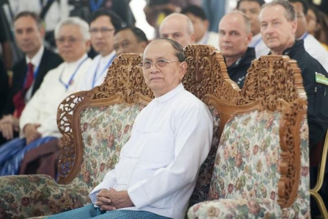 ผู้นำพม่าระบุการปฏิรูปไม่ถอยหลัง ชี้ยังไม่ลดบทบาทกองทัพในการเมือง