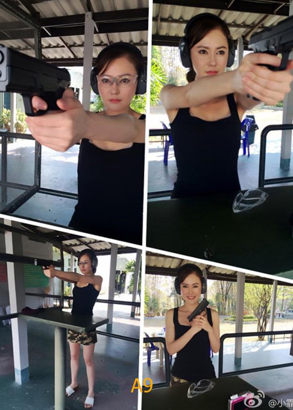 <bR><FONT color=#00003>นางฟ้าพันธุ์ดุกับสไตเออร์ เอ็ม9-เอ1 (Steyr M9-A1) ปืนพันธุ์ทรหดจากออสเตรีย ขนาด 9x19 หาได้ทั่วไป แต่ .40 มม. หาได้ยากยิ่ง สาวใดยิงปืนแรงกระบอกนี้ได้ ก็ต้องยกย่องเป็นของจริง ..ดุจริง. -- ภาพ: เฟซบุ๊ก/เสิ่งเซียะ.  </b>