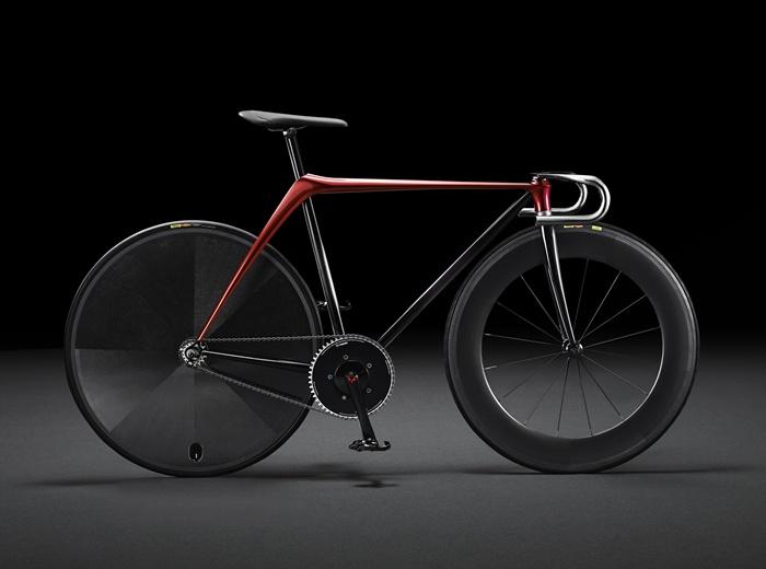 """มาสด้าอวดโฉม """"จักรยาน-โซฟา"""" ผสานดีไซน์รถยนต์สู่งานศิลป์"""