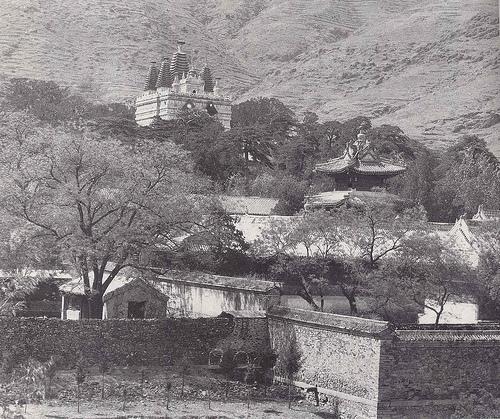 วัดไป่หยุน กรุงปักกิ่ง เมื่อราวปี ค.ศ. 1940 (ภาพเฮดดา มอร์ริสัน)