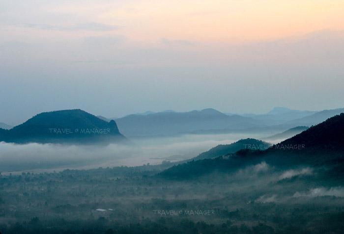 เมฆปกคลุมทั่วอำเภอเชียงคานและแม่น้ำโขง