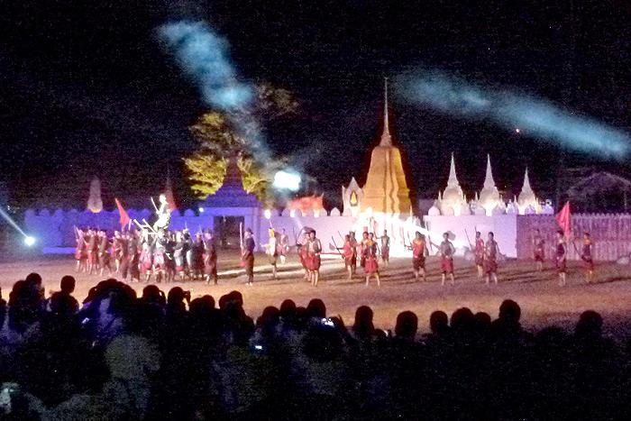 งานแสดง แสง สี เสียง ที่พระราชวังจันทน์ จัดแสดงทุกวันเสาร์แรกของเดือน เปิดให้ชมฟรี