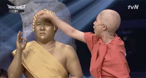 [ชมคลิป] รุมสับรายการเกาหลีหยิบพระไทยล้อแรง รับไม่ได้มีฉากพระสงฆ์ตบหัวพระพุทธรูป