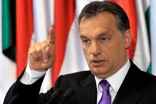 """สุดทน! ฮังการีจ่อสร้าง """"กำแพงสูง 4 เมตร"""" กั้นพรมแดนเซอร์เบียสกัด """"ผู้อพยพ"""" ไหลเข้า"""