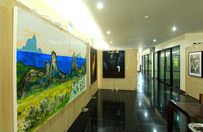 หอศิลป์อันดามันจัดแสดงผลงานศิลปะของศิลปินชื่อดังทั้งชาวไทยและชาวต่างชาติ