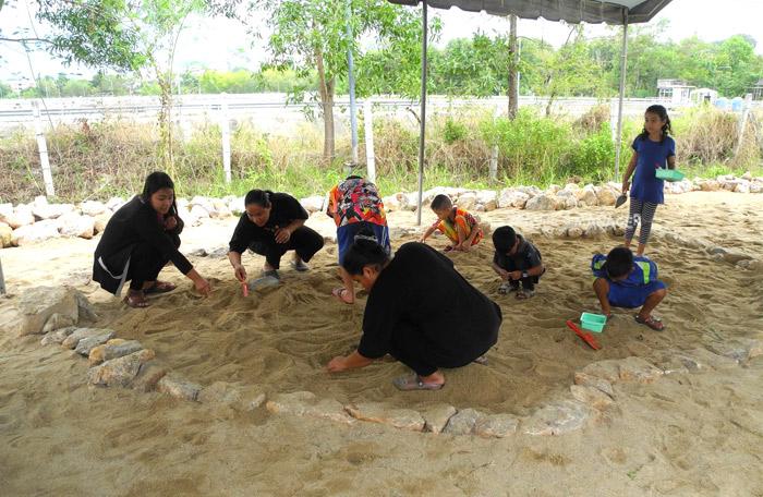 สพ.นำเด็กๆเยาวชนมาทำกิจกรรม Play+Learn : นักโบราณคดีน้อยกับลูกปัดโบราณ