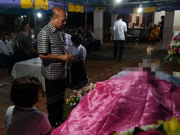 ผอ.ร.ร.พัทลุงรุดให้การช่วยเหลื่อครอบครัว นร.เสียชีวิตจากเหตุพายุพัดต้นไม่ล้มทับ