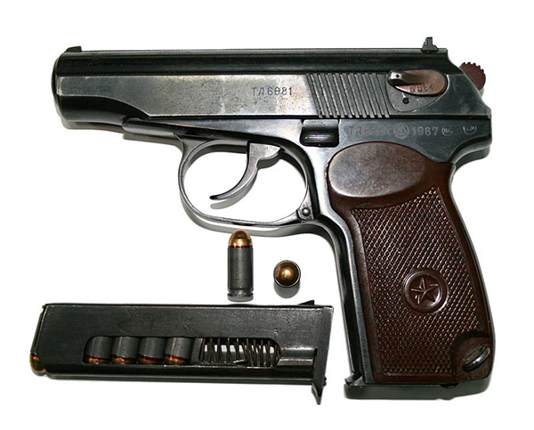 <FONT color=#000033>มาคารอฟ (Makarov) ผลิตตามกันออกมาในช่วงหลังสงครามโลก แต่ก็ยังเป็น ปืนลูกน้อย เหมือนเดิม วันนี้ก็ยังใช้เป็นปืนพกมาตรฐาน หรือ Standard Side Arms เช่นเดียวกันกับตอกาเรฟ รวมทั้งในกองทัพประชาชนเวียดนาม ลาว และ จีน ปัจจุบันด้วย. </b>