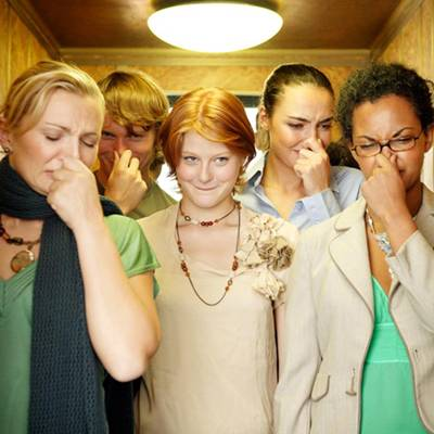 กลิ่นตัวไม่ใช่เรื่องตลก! 5 วิธีขจัดกลิ่นตัวง่ายๆ แต่ได้ผลเพิ่มความมั่นใจในที่สาธารณะ
