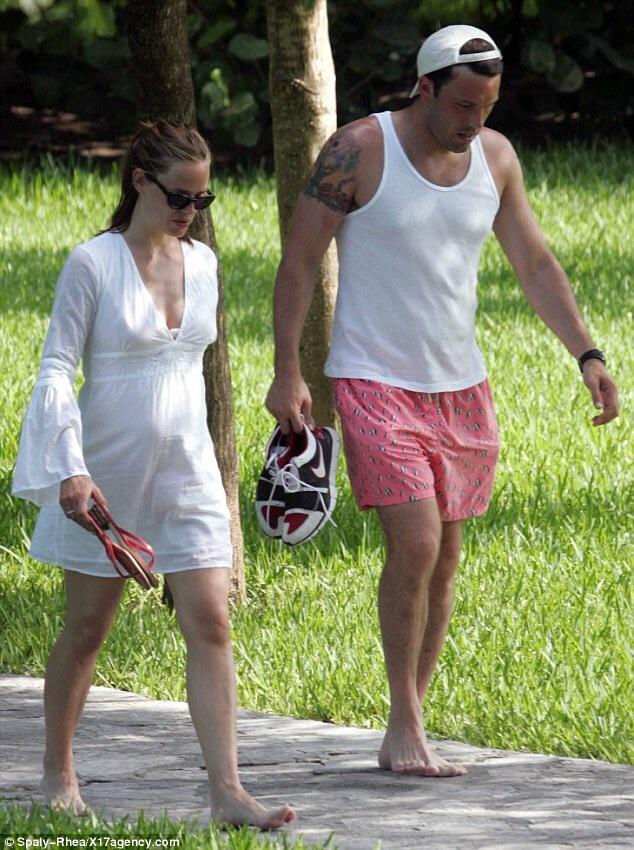 ประกาศหมั้นและแต่งงานกันในปี 2005 ขณะตั้งครรภ์ไวโอเล็ต ลูกสาวคนแรก