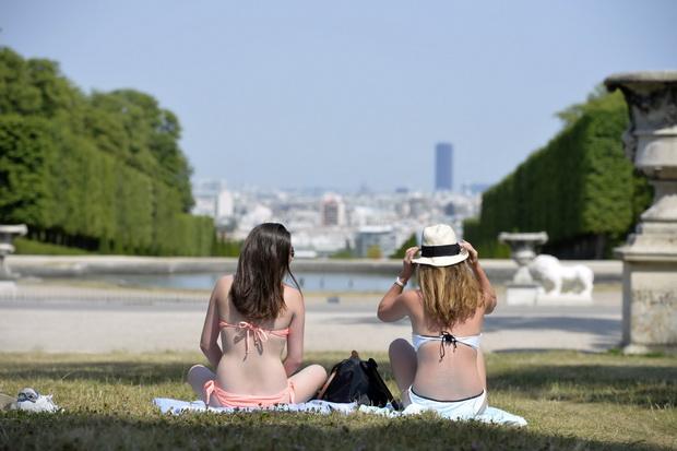 In Pics : อากาศยุโรปสาหัส คลื่นความร้อนแผ่ปกคลุมถึงอังกฤษ-ฝรั่งเศสแล้ว