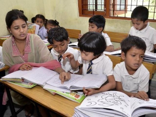 ครูอินเดียแห่ลาออก 1,400 คน หลังทางการเริ่มสืบกรณีใช้ปริญญาปลอม