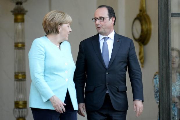 2ผู้นำชาติยูโรโซนซึ่งทรงอิทธิพลที่สุด อันได้แก่ นายกรัฐมนตรี อังเกลา แมร์เคิล ของเยอรมนี และประธานาธิบดีฟรังซัวส์ ออลลองด์ แห่งฝรั่งเศส ได้พบปะหารือกันก่อนที่กรุงปารีสในค่ำวันจันทร์ (6) เพื่อกำหนดจุดยืนที่เป็นเอกภาพกัน โดยได้แถลงภายหลังการหารือว่า ยังเปิดโอกาสสำหรับเจรจาเพื่อปกป้องเศรษฐกิจกรีซ