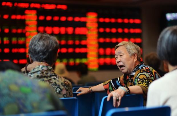 """วิกฤตหนี้กรีซ-ฟองสบู่หุ้นจีนแตก   ฟ้อง """"ธนาคารกลาง"""" ไร้ยาวิเศษปกปักศก."""