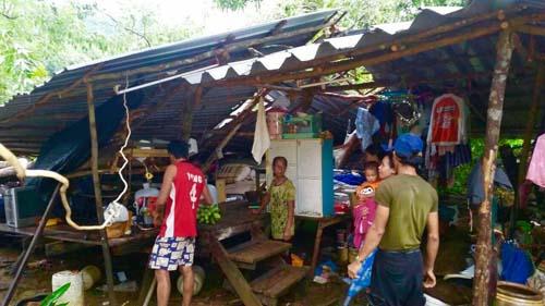 บ้านเรือนเสียหาย 25 หลัง หลังถูกพายุหมุนเกิดขึ้นที่ อ.บ่อไร่