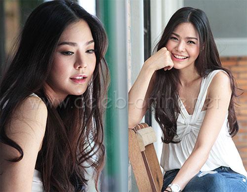 """ผู้หญิงที่คนไทยอยากรู้จักมากที่สุดวินาทีนี้! สัมผัสตัวตน """"น้ำตาล-เพชรพราว"""" แอร์ฯการบินไทยงามทะลุจอ ดังปังฉกซีนเกิร์ลส์เจนฯ"""