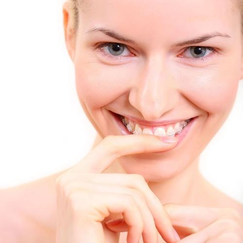 จัดฟันแฟชั่น สวยไม่คุ้มเสีย ... เสี่ยงอันตรายในช่องปาก