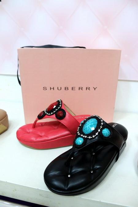 รองเท้าโซฟา Shuberry