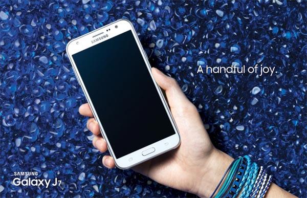 Cyber News : ซัมซุงส่งกาแล็กซี่ เจ 7 และ เจ 5 สมาร์ทโฟนดีไซน์สวยจอใหญ่ชัดระดับเอชดีบุกตลาด