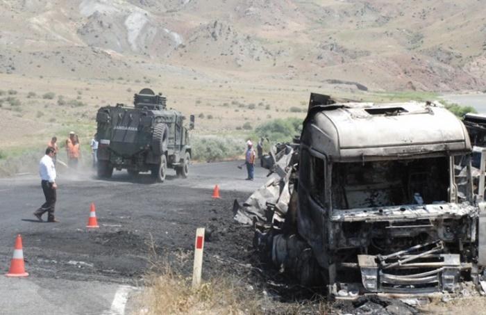 """ทหารตุรกีดับอย่างน้อย 2 ศพหลังถูกโจมตีด้วย """"คาร์บอมบ์""""  คาดเป็นฝีมือพวกกบฏเคิร์ด"""