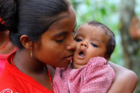 UNICEF Photo of the Week : สามเดือนหลังเหตุแผ่นดินไหวในเนปาล เด็กๆ ยังขาดที่อยู่-อาหาร-น้ำ-สุขอนามัยที่ดี