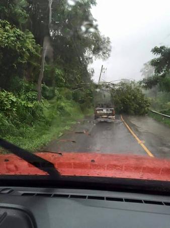 ยังมีอีก! ฝนตกต่อเนื่อง-ดินสไลด์ทับทางหลวง 1194 ปิดถนนเชื่อมสบเมย-แม่สะเรียง
