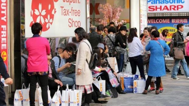 """ญี่ปุ่น """"หวานอมขมกลืน"""" กับนักท่องเที่ยวจีน"""