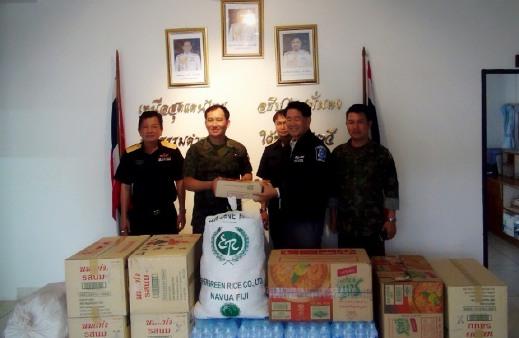 ธารน้ำใจไทยบริจาคของผ่านแม่สาย-แม่สอด ช่วยเหยื่อน้ำท่วมพม่าต่อเนื่อง