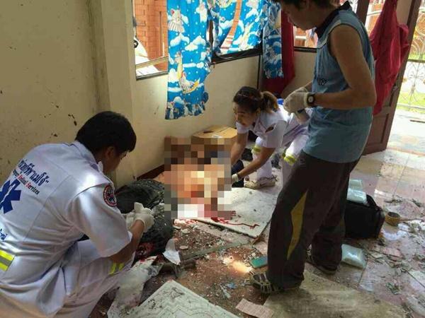 นศ.ปี 2 ม.แม่โจ้ทำประทัดยักษ์เตรียมรับน้อง เกิดระเบิดมือซ้ายขาดคาบ้านพัก (ชมคลิป)