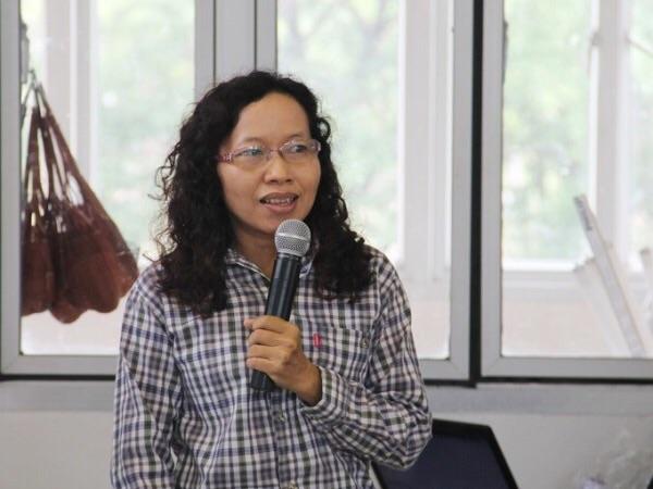 ผศ.ดร.วิภา หอมหวล อาจารย์ประจำภาควิชาวิทยาศาสตร์การเกษตร  คณะเกษตรศาสตร์ ทรัพยากรธรรมชาติและสิ่งแวดล้อม มหาวิทยาลัยนเรศวร