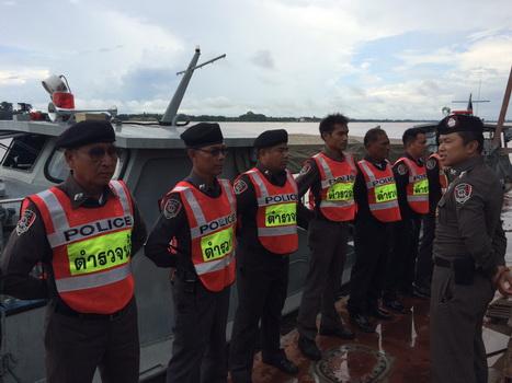 ตำรวจน้ำเตือนระวังน้ำโขงไหลเชี่ยว ใช้เรือระวังปะทะท่อนซุง-เศษไม้