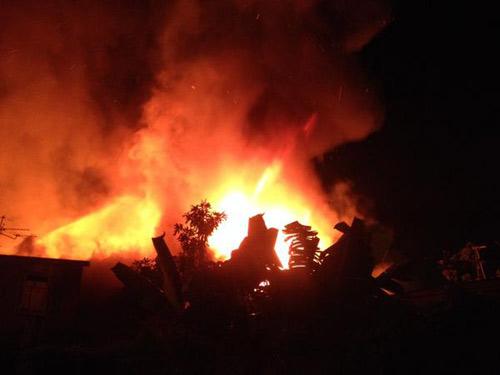 ไฟไหม้ชุมชนวัดกัลยาณมิตรฯกลางดึก วอด 7-8 หลัง ไร้คนเจ็บ เสียชีวิต