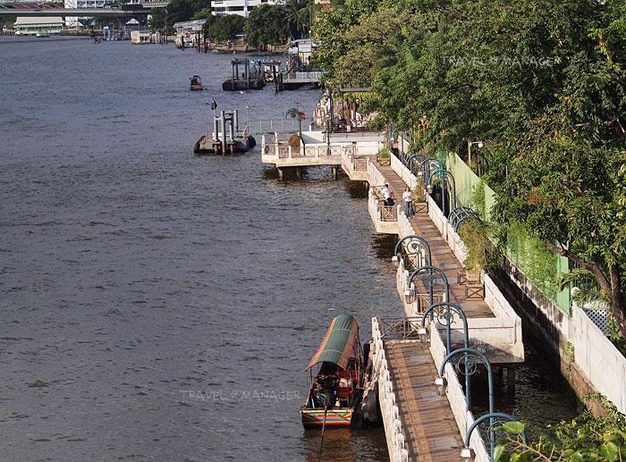 ทางเดินริมน้ำที่มีอยู่เดิมบริเวณระหว่างสวนสันติชัยปราการถึงสะพานปิ่นเกล้า