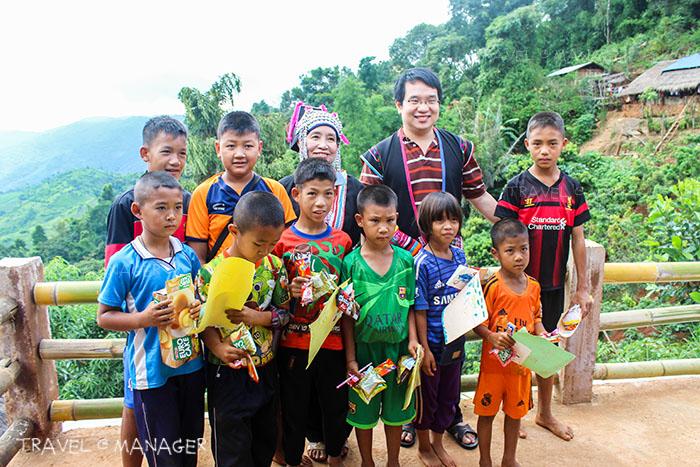 ภาพประทับใจกับเด็กๆ ที่หมู่บ้านหล่อโย