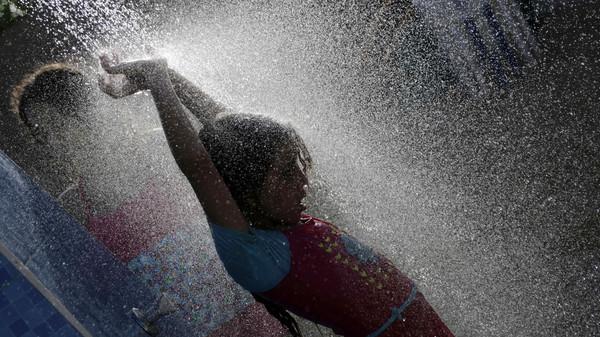โลกชักอยู่ยาก!! คลื่นความร้อนปกคลุมอียิปต์คร่าแล้วกว่า 60 ศพ อุณหภูมิพุ่ง 46 องศา