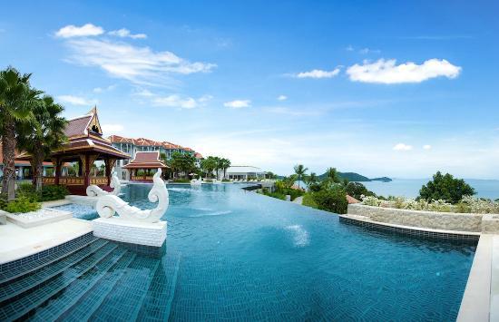 Radisson Blu Plaza Resort Phuket Panwa Beach (Cape Panwa) – Hotel  (ภาพ : Tripadvisor.com )