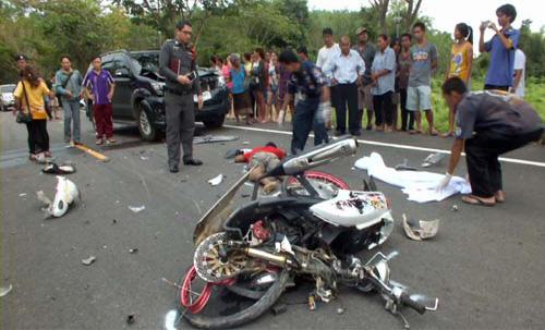 หนุ่มจันท์ทดลองขับ จยย.พุ่งชนรถยนต์วิ่งสวนเสียชีวิต
