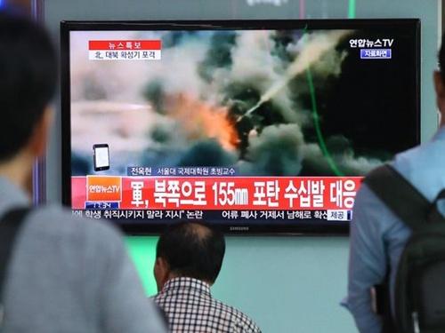 ศึกแดนโสมรอบใหม่ใกล้ปะทุ สองชาติเกาหลีใช้จรวด-ปืนใหญ่ยิงข้ามชายแดนเข้าใส่กัน