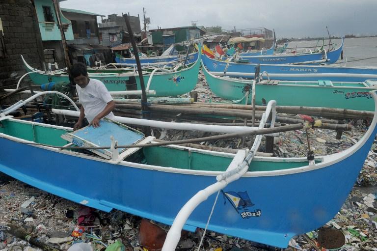 หน่วยยามฝั่งฟิลิปปินส์ประกาศเตือนเรือเล็กงดออกจากฝั่ง เนื่องจากอิทธิพลของไต้ฝุ่นโคนีซึ่งเคลื่อนผ่านภาคเหนือของประเทศ