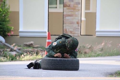 EOD รุดกู้ระเบิด TNT ปลอมลูกที่ 2 มือดีโยนป่วนเมืองสัตหีบ